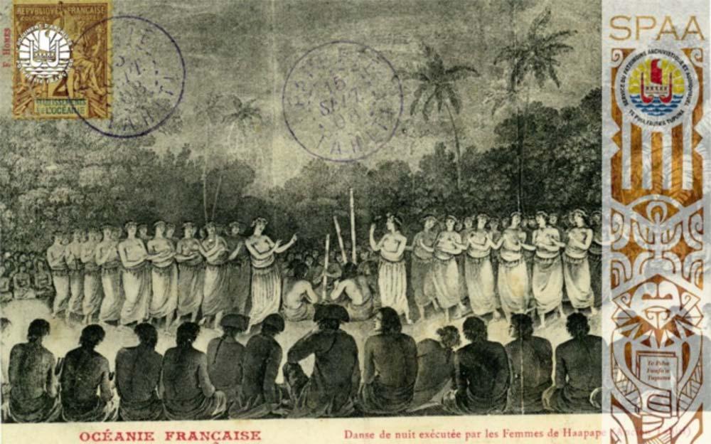 Fig. 12. Une représentation de danse tahitienne. L'aspect rythmique et stéréotypé est parfaitement souligné (http://www.archives.pf/author/rereata/page/3/).