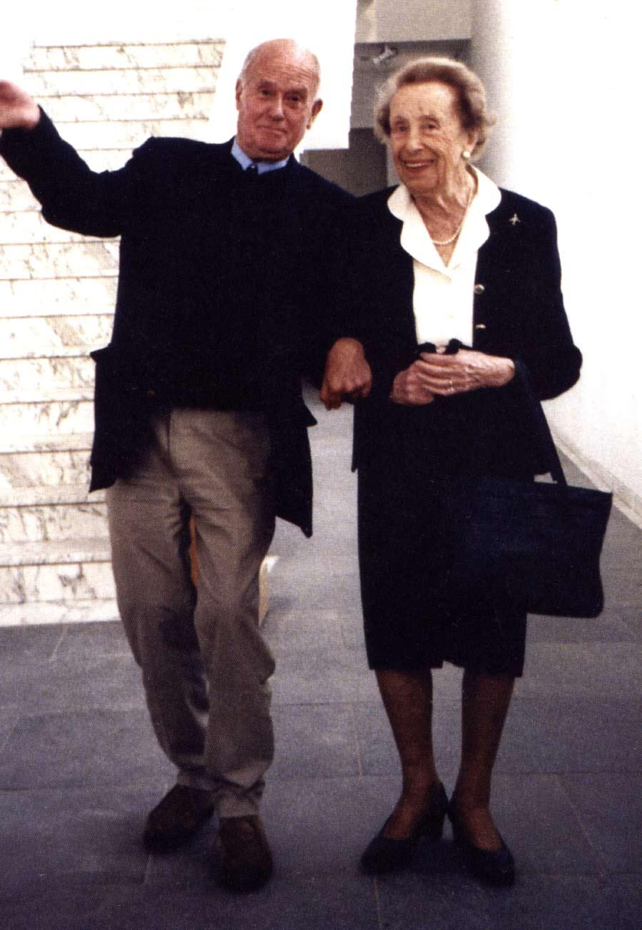 Fig. 6. Jean Rouch et Germaine Dieterlen à la galerie nationale du Jeu de Paume à l'occasion d'une rétrospective Jean Rouch. Pecquet 2018, fig. 28.