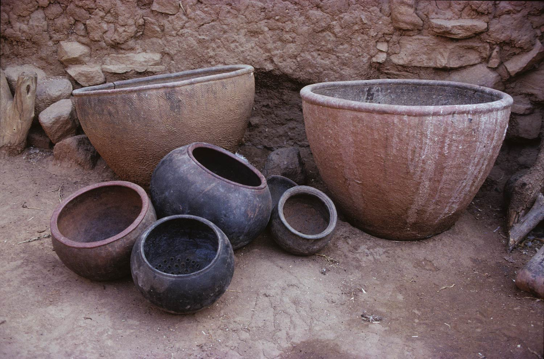Diékan. Poteries de tradition dafi et autres. MESAO 231.09.
