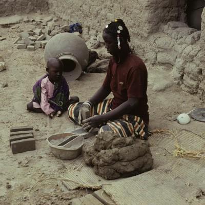 Kirchamba : potière sonraï