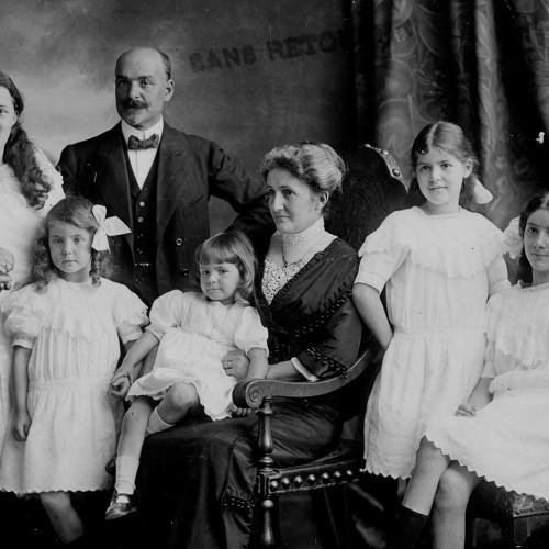 La famille Baron dans sa villa